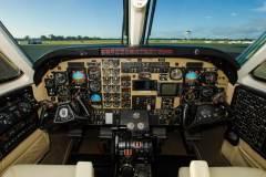 KQB-Cockpit-01